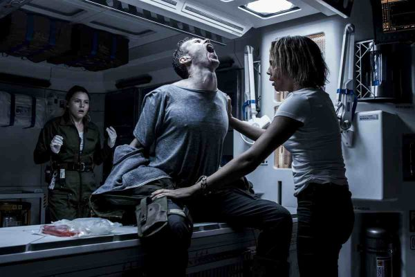 Alien-Covenant-Amy-Seimetz-and-Carmen-Ejogo-1-600x400.jpg
