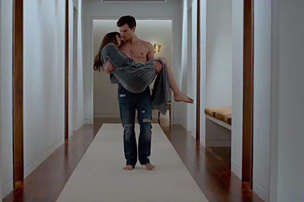 fifty-shades-of-grey-trailer-fans-get-turned-on-ftr.jpg