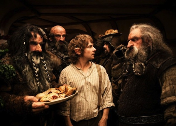 hobbit-martin-freeman-dwarves.jpg